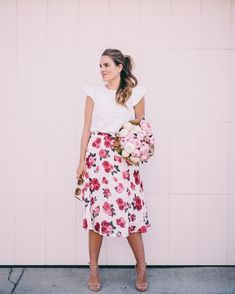 Another look at today's post on galmeetsglam.com This skirt is a dream & I also found its dress counterpart Link in profile! #roseprint #ootd #peonies #springstyle #pink