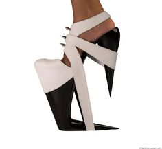 Dominatrix - Inspired by stong women and the S&M and Fetish world, 2015. The shoes where the product of the shoe course at the Bezalel Academy of art and design, with professor Eliora Lemmer Ginsburg. Material