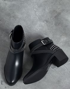 Stud Detail Heeled Ankle Boots from Bershka Cute Ankle Boots, Knee Boots, Heeled Boots, Bootie Boots, Pretty Shoes, Beautiful Shoes, Suede Shoes, Leather Shoes, Wide Width Shoes