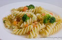 Ensalada de Pasta Ligera con Brócoli y Zanahoria. Receta