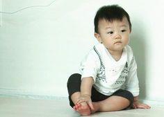 Lee Dong Gook x Lee Jaea, Lee Jessi, Lee Seola, Lee Sua and
