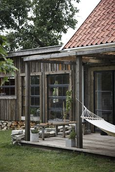 decordemon: Beautiful Scandinavian interiors on Gotland Island Architectural Digest, Swedish House, Outdoor Living, Outdoor Decor, Outdoor Hammock, Cabins In The Woods, Rustic Style, Modern Rustic, Exterior Design