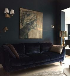 4 Reasons to Go Bold: Dark Paint Color Ideas - Dahlias and Dimes Are you brave enough or even like the idea of dark walls somewhere in your home 🏡 Design Living Room, Living Room Decor, Living Rooms, Dark Walls Living Room, Living Area, Dark Paint Colors, Interior Design Pictures, Interior Ideas, Interior Inspiration