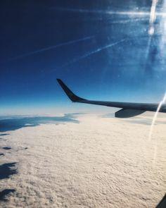 Já falei que AMO o céu né? Toda vez que entro num avião e olho o céu de uma perspectiva diferente me sinto TÃO grata uma sensação de satisfação tão gostosa! É Deus não tenho dúvida!
