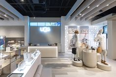 The guiding principle behind the new store design is to immerse guests into the UGG® lifestyle and leave them with a sense of tranquillity.