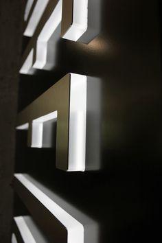 signage. edges