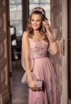You will never go wrong with a little PINK💗  Evening Gowns With Sleeves, Long Evening Gowns, Short Cocktail Dress, Bishop Sleeve, Spring Dresses, Designer Wedding Dresses, Skirt Fashion, Dress Collection, Pink Dress