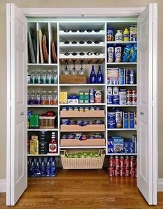 The good news come along with these kitchen pantry organization ideas is that it can be a fast. There is no right answer in creating an enviable storage system with these helpful tips of kitchen pantry organization ideas. Pantry Makeover, Garage Makeover, Kitchen Pantry Design, Kitchen Storage, Pantry Shelving, Diy Shelving, Big Kitchen, Wine Storage, Kitchen Pantries