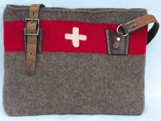 #Vintage #Swiss Army Blankets Reborn Swiss Style, Swiss Design, Fabric Bags, Pretty Shoes, Blog Design, Swiss Army, Leather Accessories, Vintage Wool, Laptop Bag