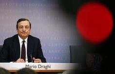 BCE eleva projeção de crescimento da zona do euro para 1,7% em 2016 - http://po.st/SEvlsE  #Economia - #BCE, #Mario-Draghi, #Taxa, #UE