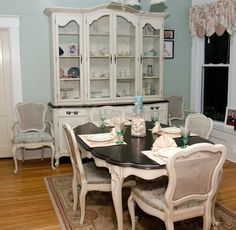 Changing Table (Not what youre thinking - Dining Set - Ideas of Dining - For the table in the dining room gel stain & white paint Refurbished Furniture, Shabby Chic Furniture, Dining Room Furniture, Furniture Makeover, Painted Furniture, Dinning Room Sets, Dining Set, Dining Tables, Kitchen Dining