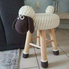 I altered the free shaun the sheep pattern from chanteuse crochet. : I altered the free shaun the sheep pattern from chanteuse crochet. Crochet Home, Crochet For Kids, Crochet Crafts, Crochet Projects, Free Crochet, Knit Crochet, Crochet Sheep Free Pattern, Crochet Cushions, Diy Crafts