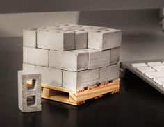 1:12 Scale Miniature Cinder Blocks - 24PK with Pallet – Mini Materials