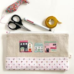 Learn to sew this easy to make zipper Pouch today at #WeAllSew. It is perfect for travel, storage at home, as a gift or for any reason.  Easy to follow sewing instructions will have you finish this little handy bag in one afternoon! Who wouldn't love a handy little bag? They're fun to make and handy to have around. Stuff this little makeup bag full of cosmetics or any other little trinkets that you need to tote. #zipper #zip #zipperpouch #sewingtutorial Sewing Patterns Free, Sewing Tutorials, Sewing Ideas, Sewing Projects, Learn To Sew, How To Make, Little Bag, Zipper Pouch, Some Fun