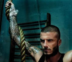 Your daily dose of eye candy ! David And Victoria Beckham, David Beckham, Bend It Like Beckham, Celebrity Photography, Celebrity Workout, Pretty People, Beautiful People, Excercise, Eye Candy