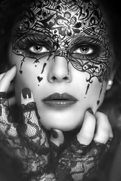 painted mask ..queen of hearts