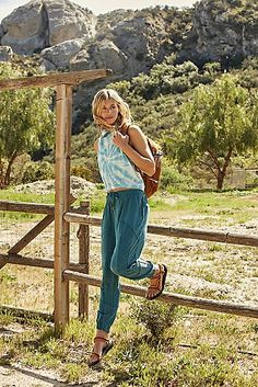 Trekking Out Jogger - Ultra Comfy Slouchy Pants - Soft Style - Women's Joggers - FP Movement Cute Hiking Outfit, Summer Hiking Outfit, Hiking Outfits, Summer Ootd, Cowgirl Style Outfits, Cute Outfits, Basic Outfits, Emo Outfits, Mode Plein Air