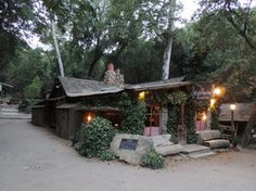 Hit up Cold Springs Tavern off the San Marcos Pass for live music & tri-tip sandwiches on weekends! Born as a stagecoach stop in the 1880s, Cold Springs Tavern sits in the mountains 10 miles outside Santa Barbara on California 154. Owned by the Ovington family since 1941, the property includes an upscale restaurant.