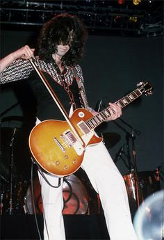 Jimmy Page, Led Zeppelin. Long Beach CA 1975.