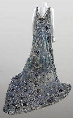 """ephemeral-elegance: Sequined and Beaded Tulle. - ephemeral-elegance: """" Sequined and Beaded Tulle Theatre Costume with Detachable Train, ca. Old Dresses, Pretty Dresses, 1950s Dresses, Flapper Dresses, Formal Dresses, Vintage Gowns, Vintage Outfits, Beautiful Gowns, Beautiful Outfits"""