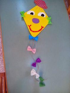 Maro's kindergarten: Χαρταετός, κλόουν μπαλόνι και πολλά αποκριάτικα παιχνίδια και χοροί μέρος 1!