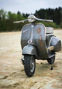 http://zoulouche.tumblr.com/post/111084331756/scooterismo-vespa-150