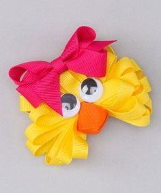 Easter Chick Bow by Picture Perfect Hair Bows. This would be cute as a small Easter decoration but made out of curly ribbon Hair Ribbons, Diy Hair Bows, Diy Bow, Ribbon Art, Ribbon Crafts, Ribbon Bows, L'art Du Ruban, Band Kunst, Barrettes