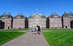 """Travel and Lifestyle Diaries Blog: Part Two of """"Het Loo Palace"""": Baroque Dutch Garden Views from the Palace Rooftop Terrace"""