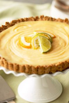 Lemon Tart with Ginger-Oat Crust You need two lemons to get enough finely shredded peel and juice for this sure-to-please Easter dessert. Kid Desserts, Lemon Desserts, Lemon Recipes, Tart Recipes, Healthy Dessert Recipes, Delicious Desserts, Blueberry Recipes, Quiche, Cranberry Muffins