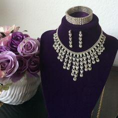 Vintage rhinestone necklace, earrings & bracelet. Super sparkly vintage rhinestone necklace! Share this !!!  Jewelry Necklaces