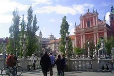 Dreibrücken mit Blick auf die Franziskanerkirche  #Ljbuljana #Slowenien