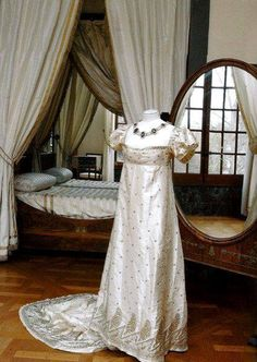 Dress belonging to Empress Josephine of France (1763-1814). Musee de Malmaison, Rueil-Malmaison, France