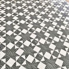 Star Quilt Blocks, Star Quilt Patterns, Pattern Blocks, Monochromatic Quilt, Garden Design Software, Black And White Quilts, Man Quilt, Scrappy Quilts, Quilt Tutorials