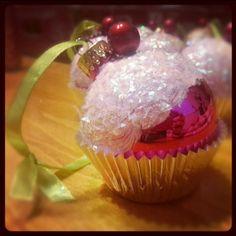 mm.. fairy floss on cupcakes as snow????