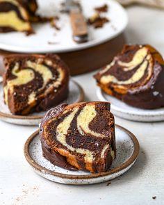 Marble Pound Cakes, Pound Cake Glaze, Glaze For Cake, Marble Cake Recipes, Pound Cake Recipes, Best Dessert Recipes, Fun Desserts, Cookie Recipes, Muffin Recipes