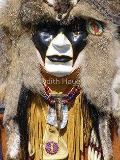 Mask of My Spirit (Algonkian) Native American Face Paint, Native American Masks, Native American Regalia, Native American Beauty, Native American Photos, Native American Artifacts, American Indian Art, Native American History, Native Indian