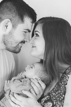 New child household pictures - - Newborn Online - Baby Christening Photography, Newborn Photography Poses, Baby Girl Photography, Children Photography, Family Photography, Christening Photos, Newborn Family Pictures, Baby Girl Photos, Newborn Photos