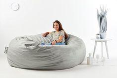 """De nuestros modelos más vendidos """"TOOT"""". Perfecto y cómodo para cualquier espacio. Extra Large Bean Bag, Large Bean Bags, Bean Bag Lounger, Bean Bag Sofa, Air Chair, Cool Chairs, Bedding Sets, Comfy, Furniture"""