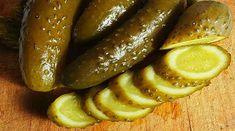 Castraveți murați fără oțet - cea mai reușită și sănătoasă rețetă de conservare a castraveților crocanți și delicioși! - Bucatarul.tv Izu, Pickles, Minion, Cucumber, Sausage, Recipies, Good Food, Food And Drink, Healthy Recipes