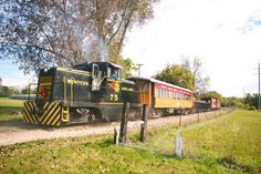 Take This Fall Foliage Train Ride Through Michigan For A One-Of-A-Kind Experience