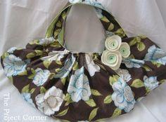 Pleated Reversible Handbag – Tutorial and Free Pattern | PatternPile.com