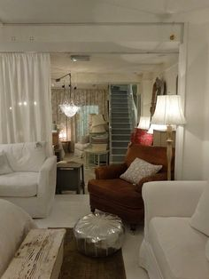 My little white home by Nadine: Shabby Chic Couture London