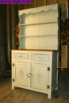 country dresser