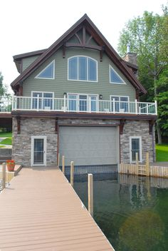 Who wouldn't want a boathouse for the lake?
