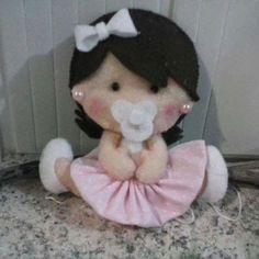 Muñeca bebé de fieltro