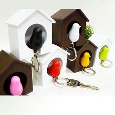 Lovely-Sparrow-Bird-House-Key-Ring-Key-Holder-Whistle