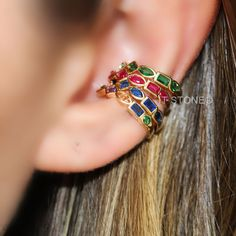 Mix de piercings falsos com multi lapidações e banho de ouro 18k. Pedras: safira, rubi, esmeralda e colors.