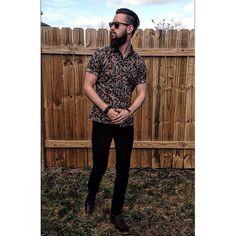 Paisley is my favorite maine got the paisley button down on deck. #mensfashion #menstrend #ootd #instadaily #fresh #clean #dope #dapperdan #fashion #dappergent #beard #beardgoals #beardgains #pose #igmodel #youwish #not #stance #lookbook #rewardstyle #leavehi #austinfashion #atx #grafitti #stevemadden #boots #slimfit #fitted #gent #killinem by leavehi