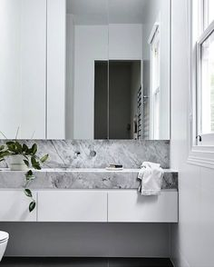 Grey Floor Tiles, Grey Flooring, Modern Bathtub, Nordic Home, Interior Decorating, Interior Design, Bathroom Inspo, Beautiful Bathrooms, Bedroom Decor