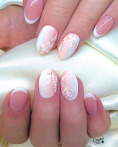 Talented @kesztyusdori_nailart Crystal nails